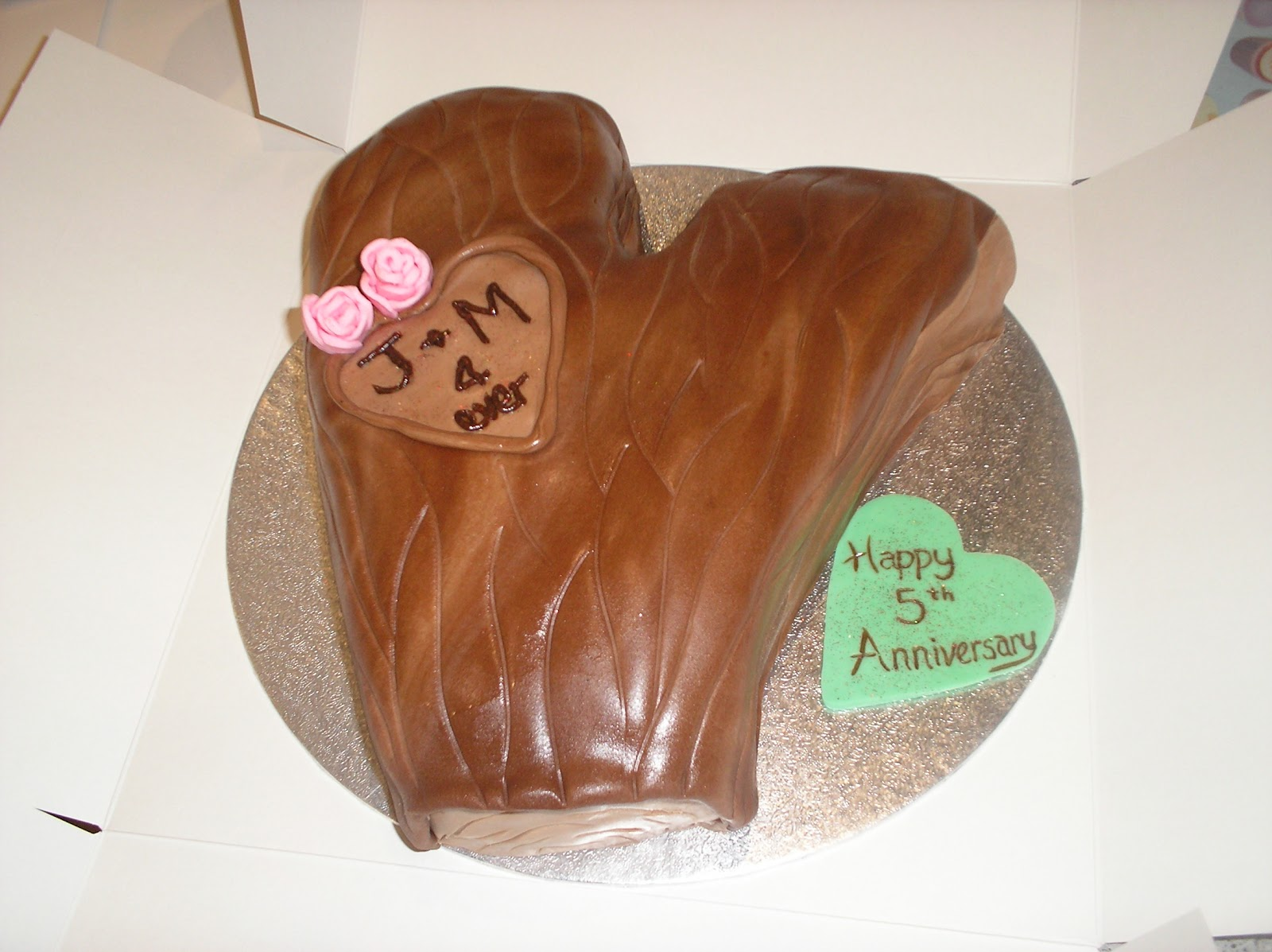 Nicky s cakes wood carved th anniversary cake
