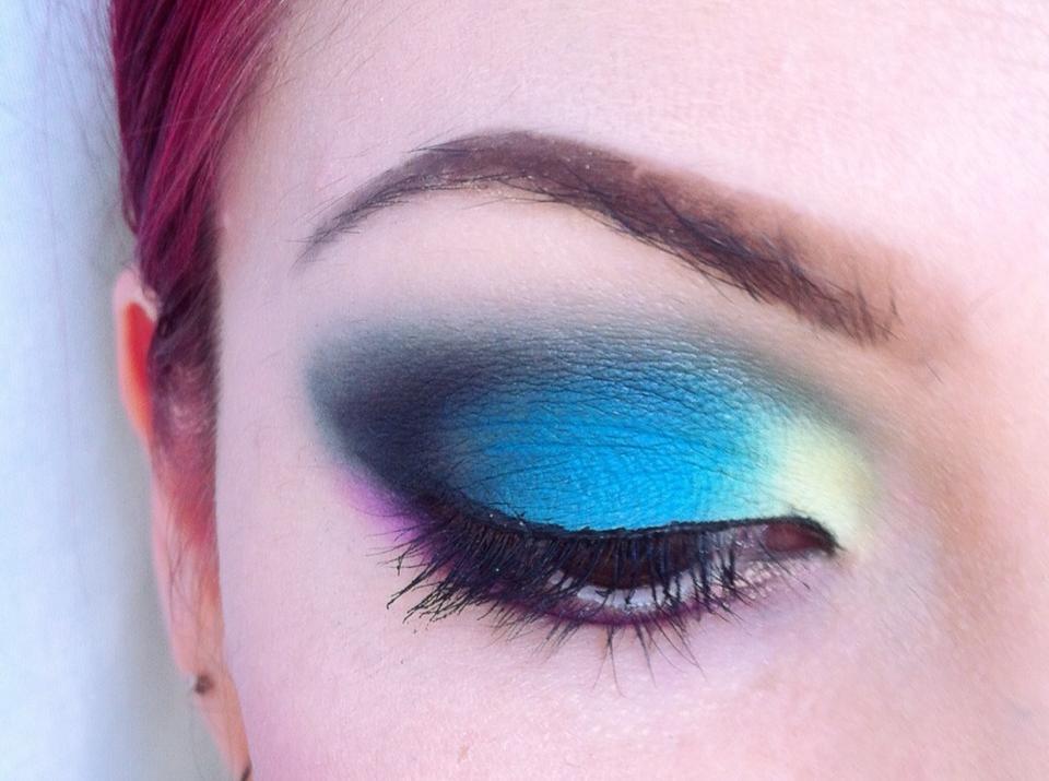 Make-up Artist Me!: July 2013