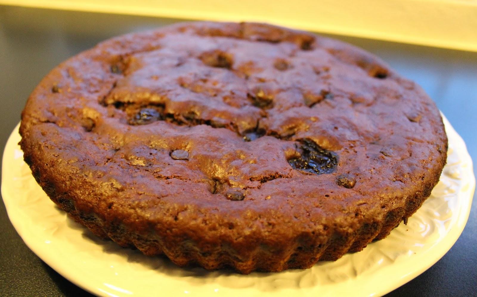 svampet chokoladekage med chokolade