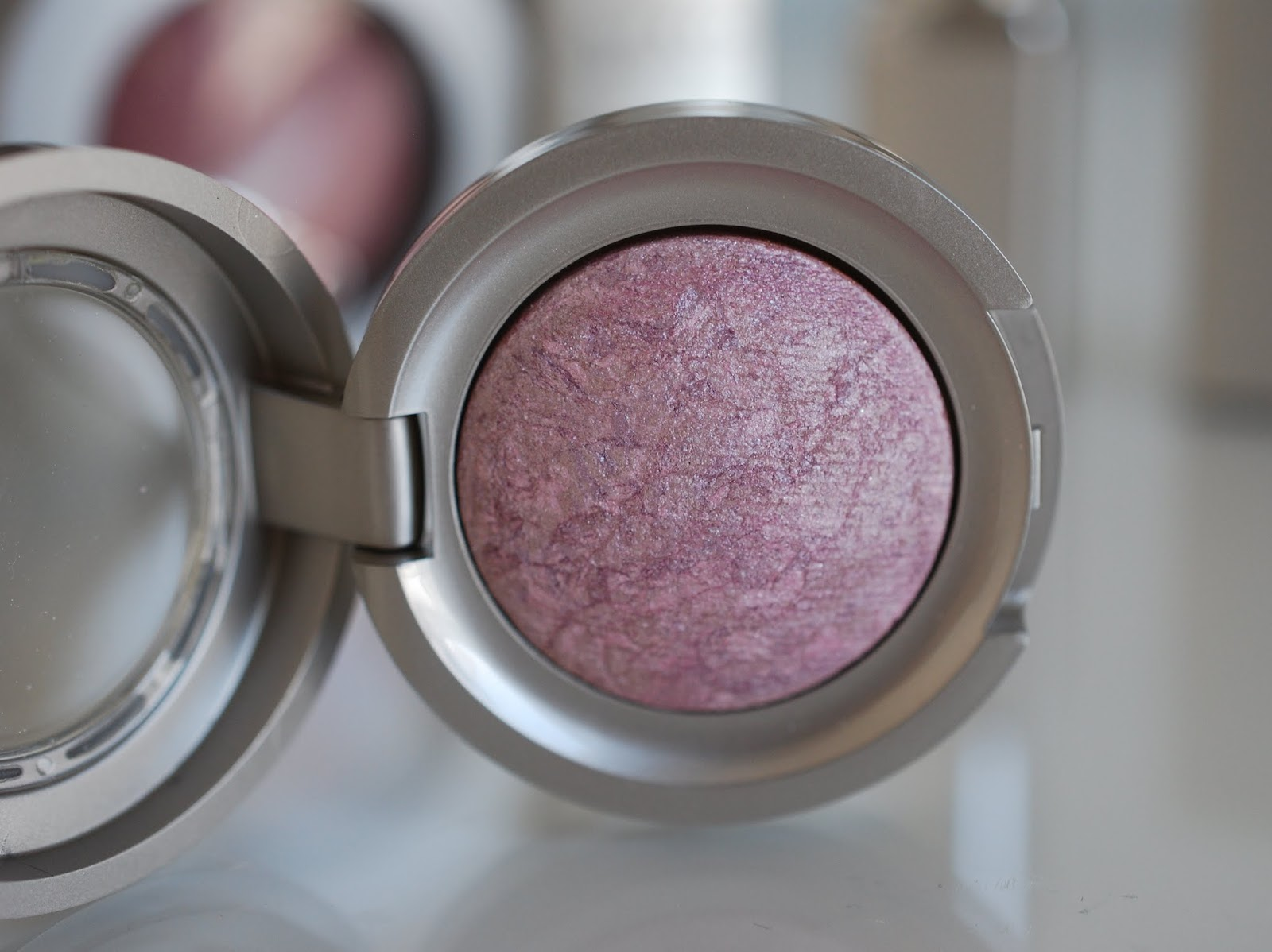 Artdeco Mineral Baked Eyeshadow 197 rose quartz review