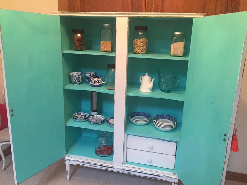 Muebles pintados vintage latest artculos similares a sold - Armarios 2 mano ...