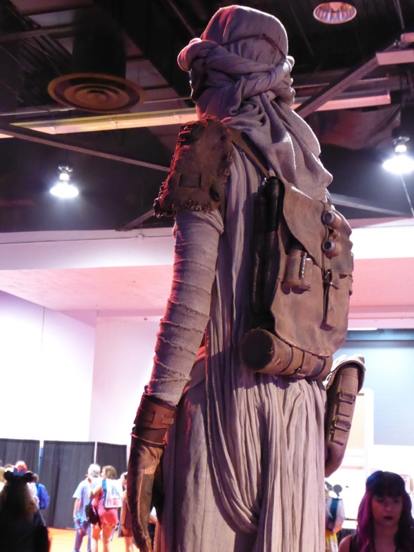 Rey costume detail Star Wars: The Force Awakens