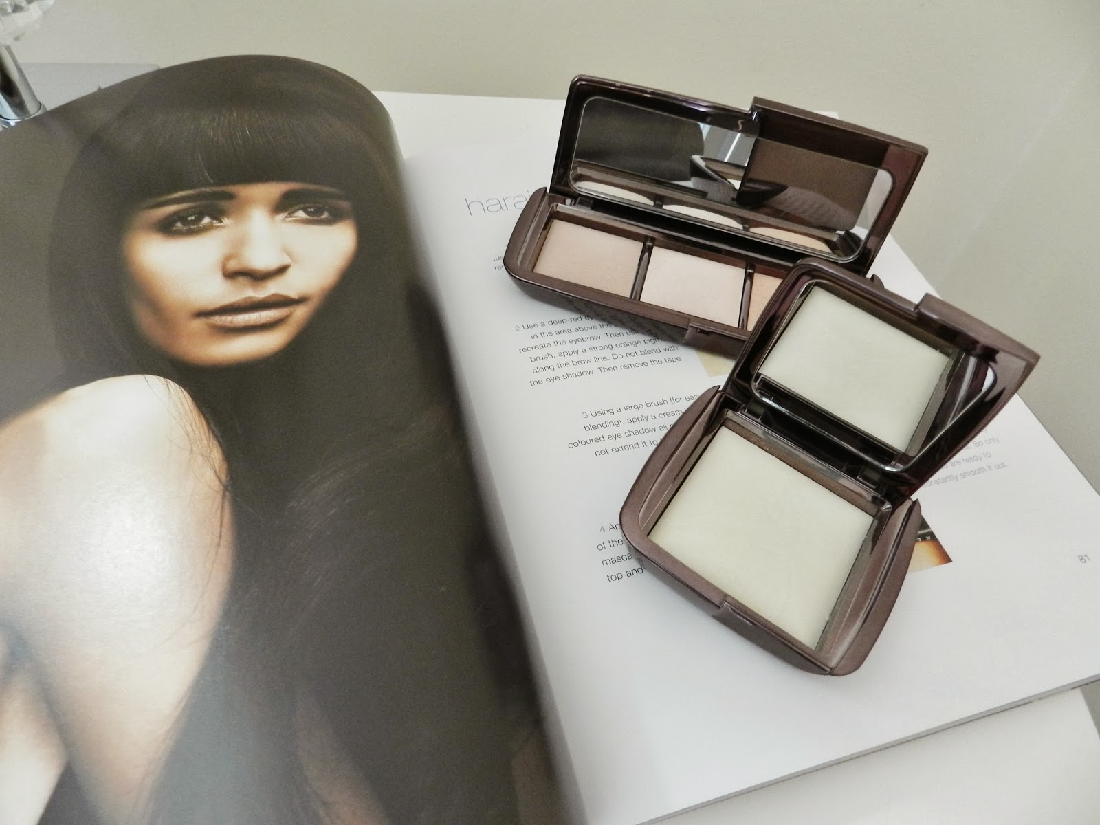 Hourglass Ambient Lighting Powder   Review And Swatches