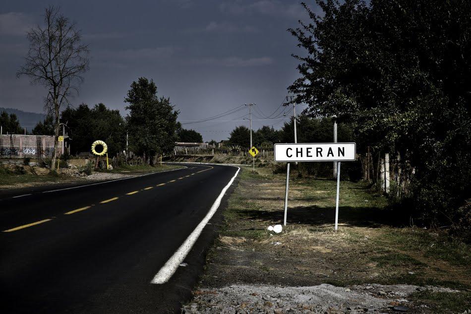 http://www.milenio.com/policia/Habitantes_de_Cheran-exigen_seguridad_en_Cheran_0_239376394.html