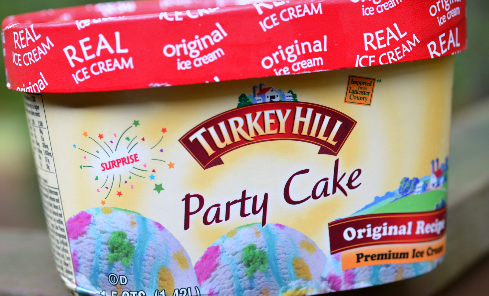 After Trying Some Of Turkey Hills Limited Edition Pumpkin Pie As Well Being Tipped Off By A Fellow Blogger I Decided To Give Their Party Cake Taste