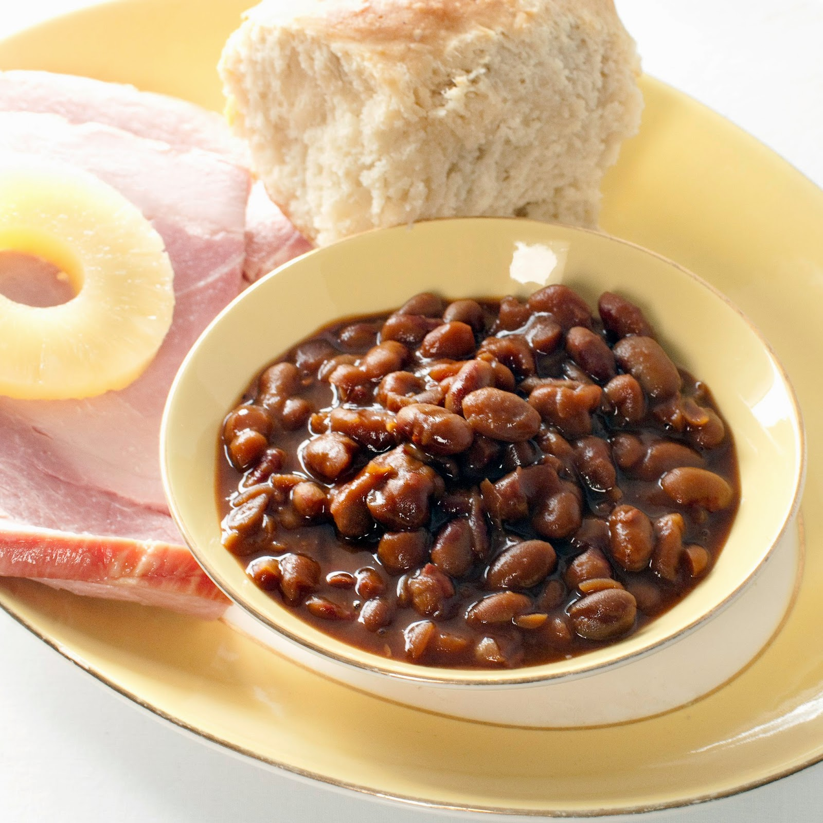 If You Re From Maine You Probably Remember Having Baked Beans Every Saay Night Maybe You Still Keep This Tradition Alive And Make Beans From Scratch