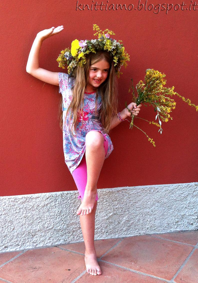 Mathilde con ghirlanda di fiori