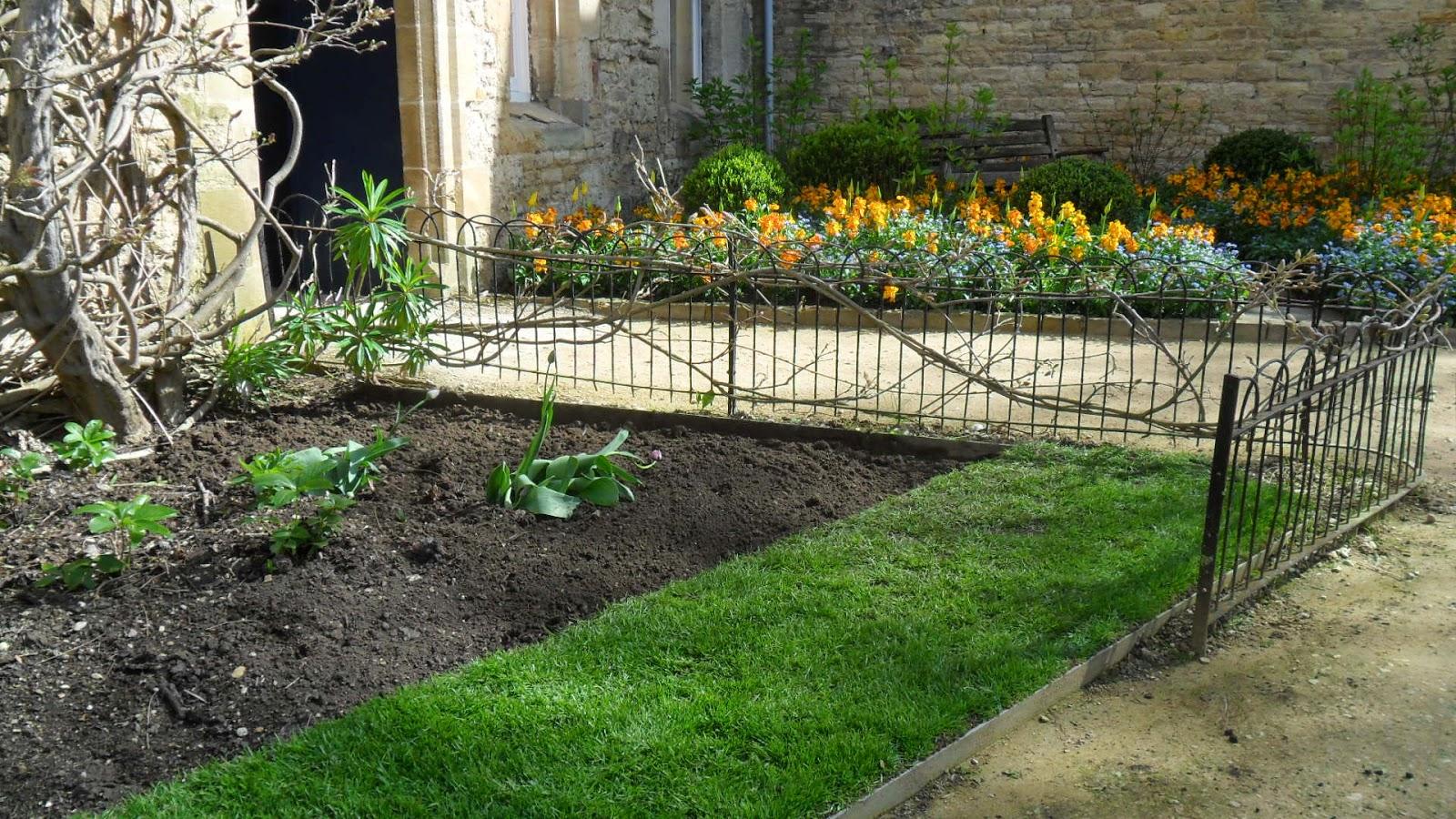 Worcester College Gardeners April 2014