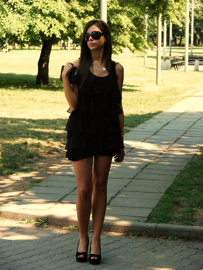 H&M black dress, Asos shoes, Maya wearing a black H&M dress, lookture, chictopia
