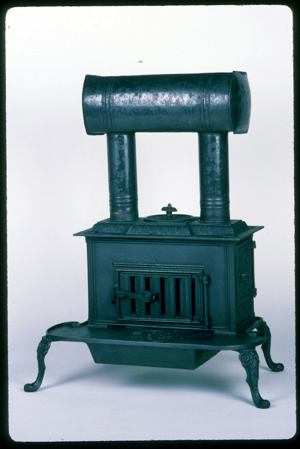 A Stove Less Ordinary: A Collection of Stoves from American Museums ...