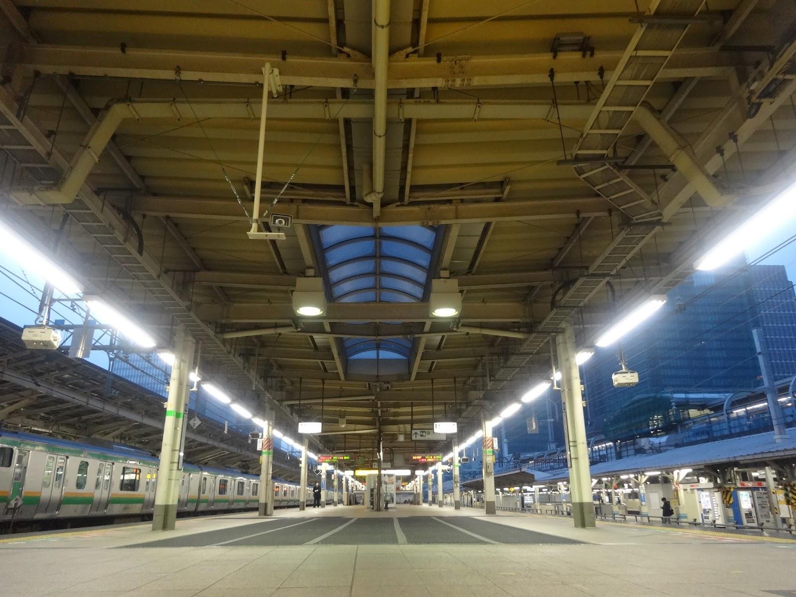 東京駅ホーム〈著作権フリー画像〉Free Stock Photos