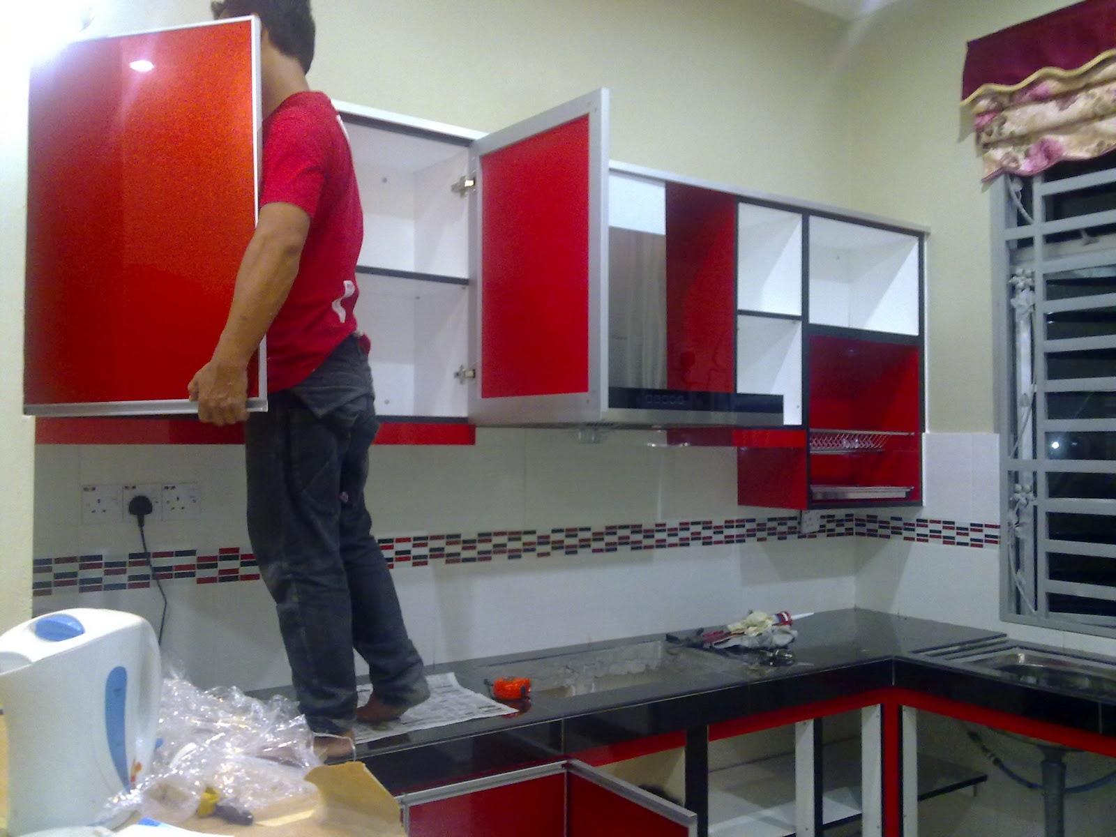 bajet utk kitchen cabini mmg over tinggi laaanak buek camno