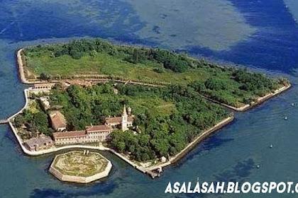 Pulau Paling Seram dan Angker Di Italia Akan Dijual