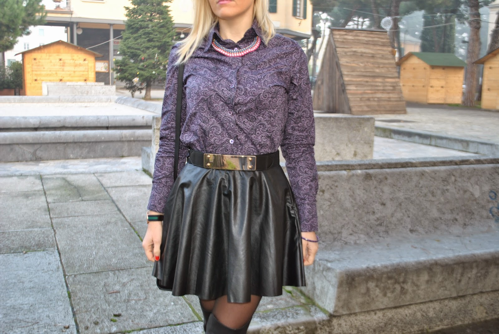 outfit invernali outfit dicembre 2014 outfit gonna in pelle nera outfit stivali al ginocchio come abbinare la gonna in pelle abbinamenti gonna in pelle come abbinare gli stivali al ginocchio abbinamenti stivali al ginocchio how to wear leather skirt how to wear over knee boots fashion blog italiani fashion blogger italiane mariafelicia magno fashion blogger colorblock by felym fashion blogger milano fashion blogger bionde ragazze bionde italian fashion bloggers blonde girls blog di moda italiani blogger italiane di moda borsa michael kors mini selma michael kors orologio daniel wellington mini selma bag by michael kors daniel wellington watch majique london necklace