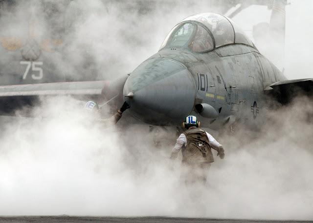 F-14 tomcat carrier landing