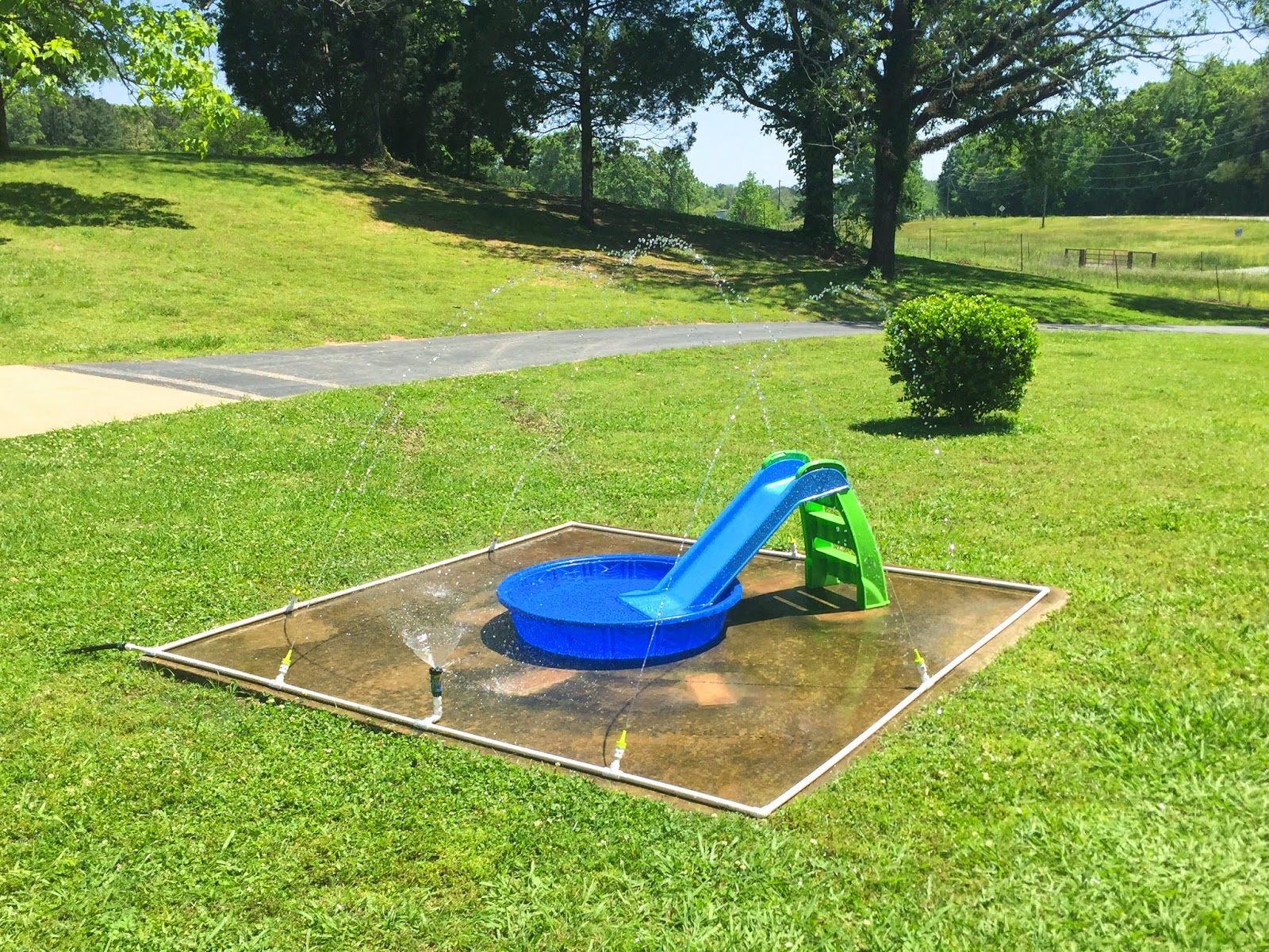 little white house blog: our diy splash pad!