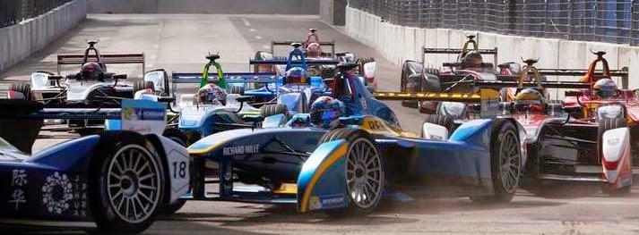 Formula E yarışları heyecanlı sahnelerle devam ediyor