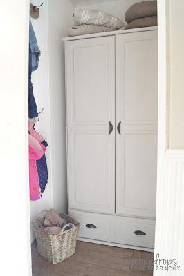 http://heidis-hobbykrok.blogspot.no/2013/05/redesign-garderobeskap.html