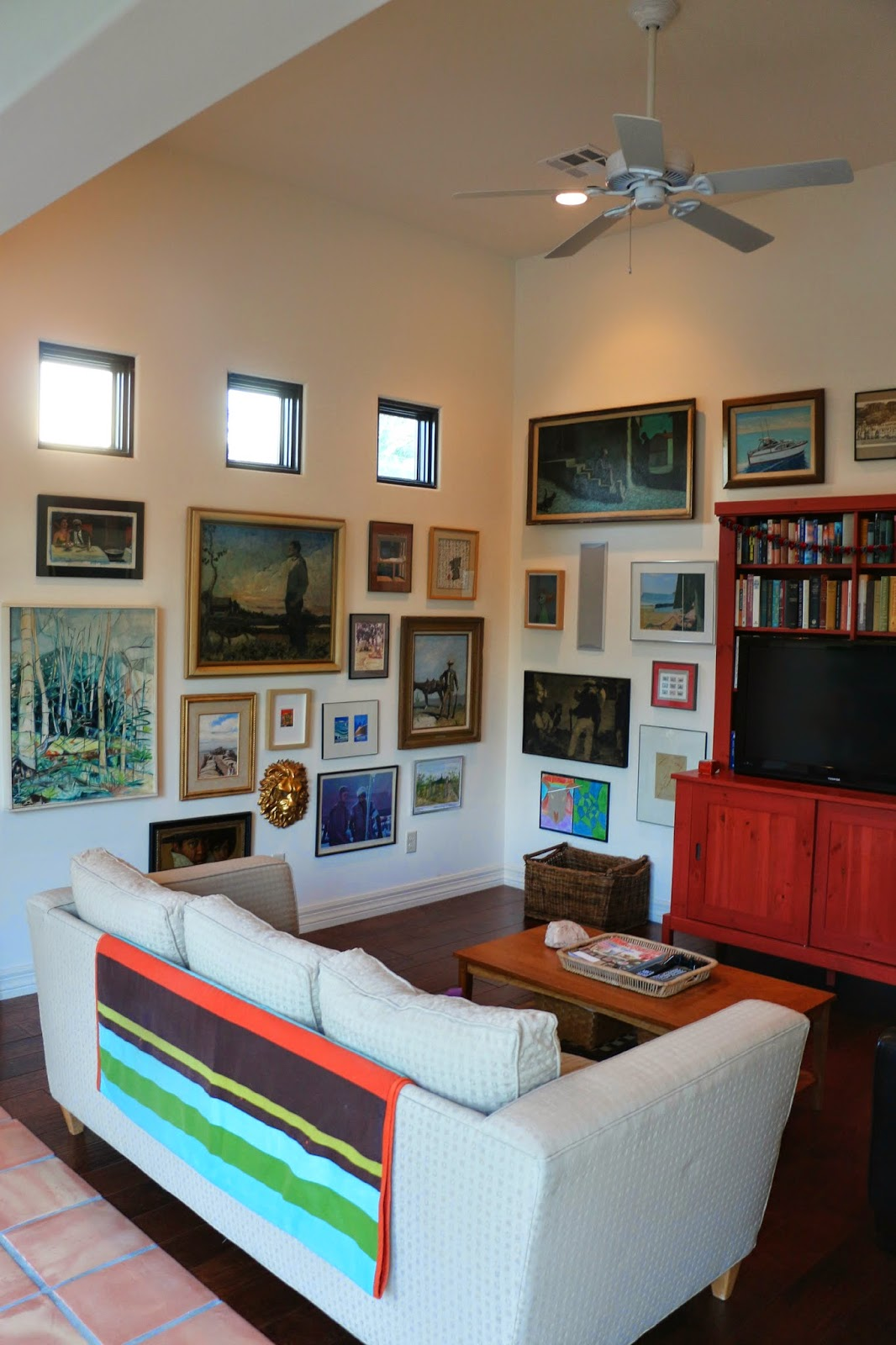 gallery wall, art wall, picture wall