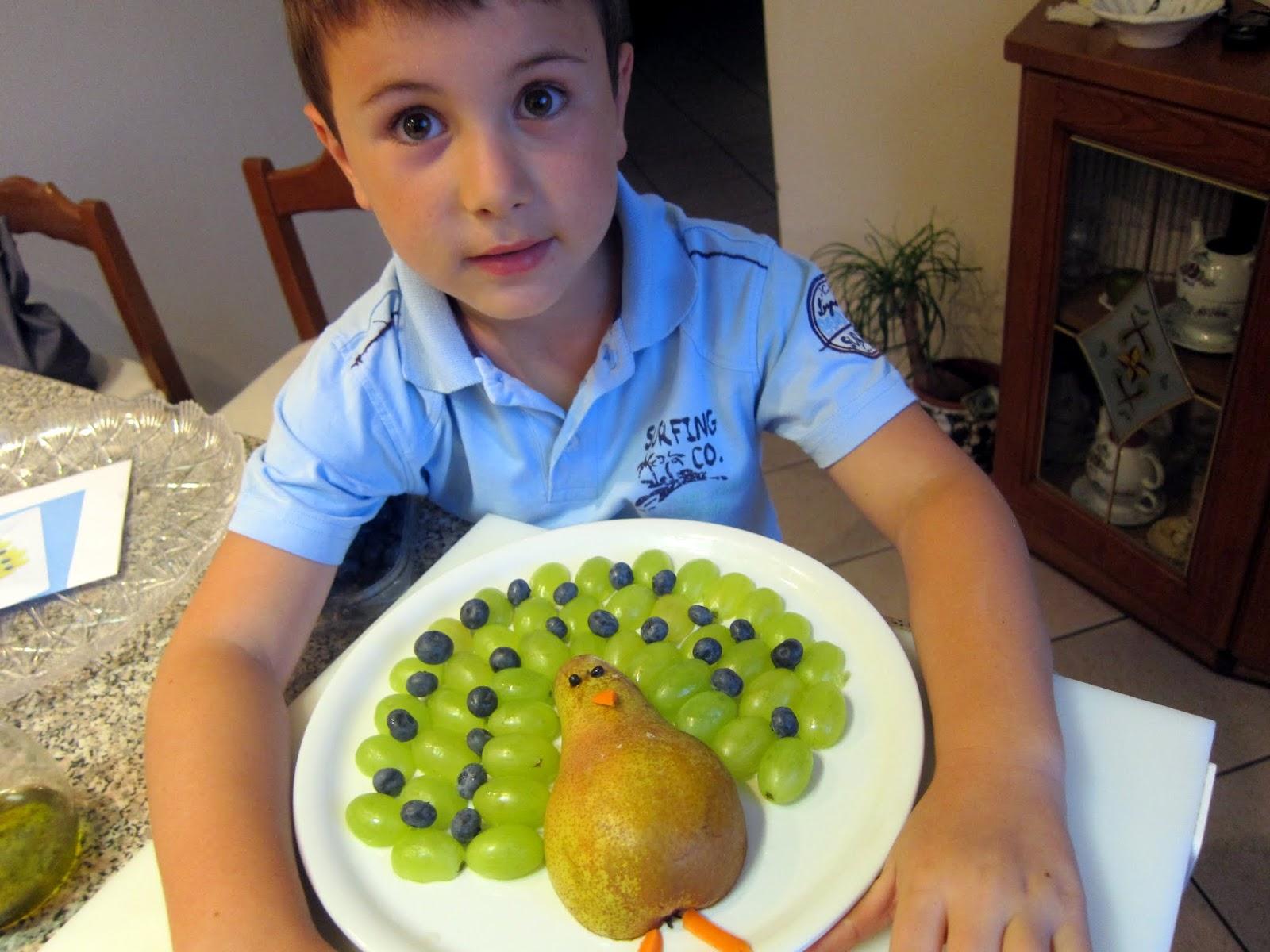 Mil di tutto e di pi matteo gioca con la frutta for Frutta con la o iniziale