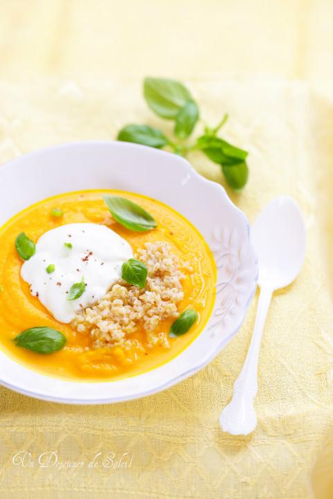 Soupe ou velouté froid de carottes, oranges, yaourt et boulgour