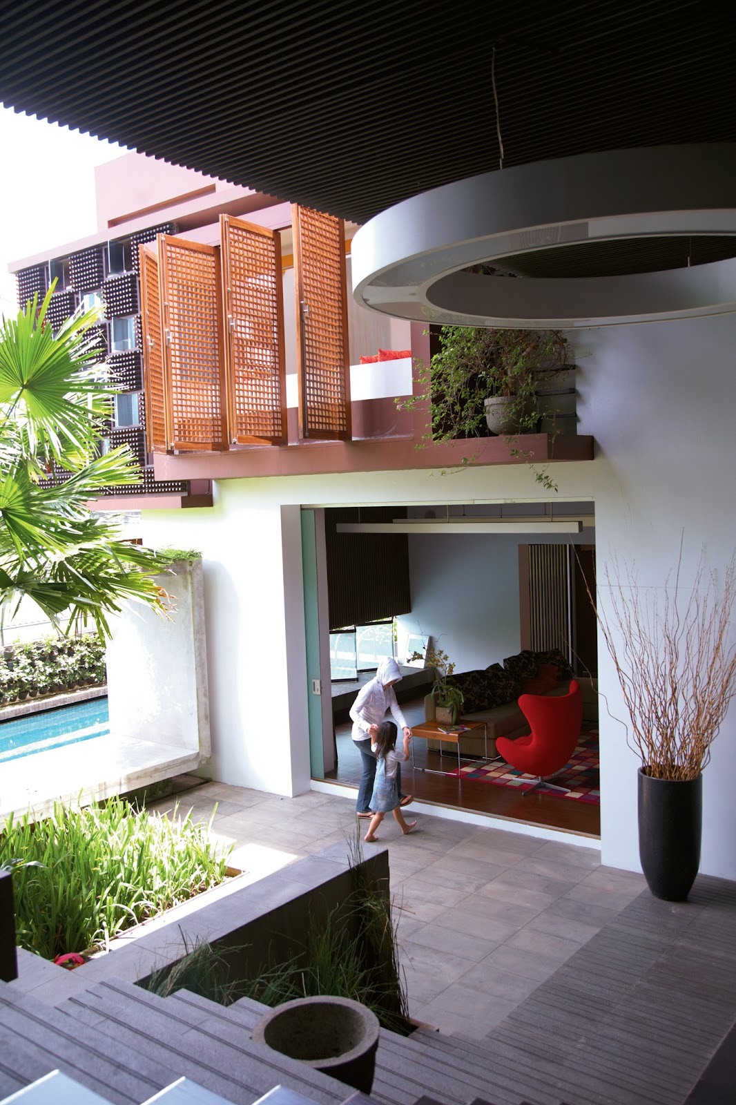 style & decorating: House of bottle on birdhouse house designs, wooden doll house designs, box house designs, miniature house designs, pump house designs, playing card house designs, toothpick house designs, glass house designs, tube house designs, boxcar house designs,