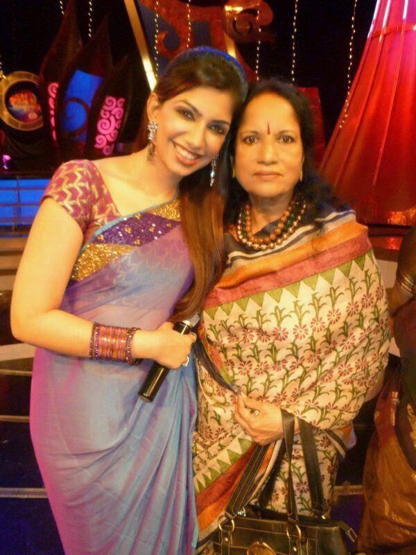 Vijay tv Anchor Bhavana Latest