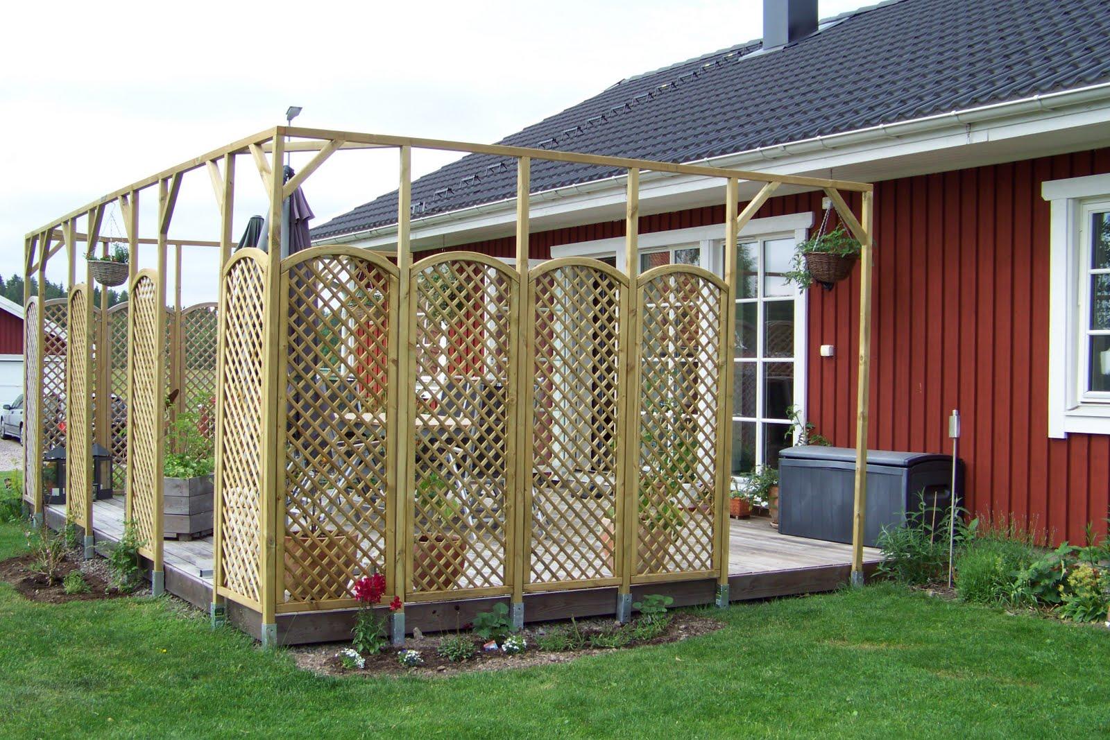 alexandras garten in schweden eine neue pergola um die terrasse. Black Bedroom Furniture Sets. Home Design Ideas