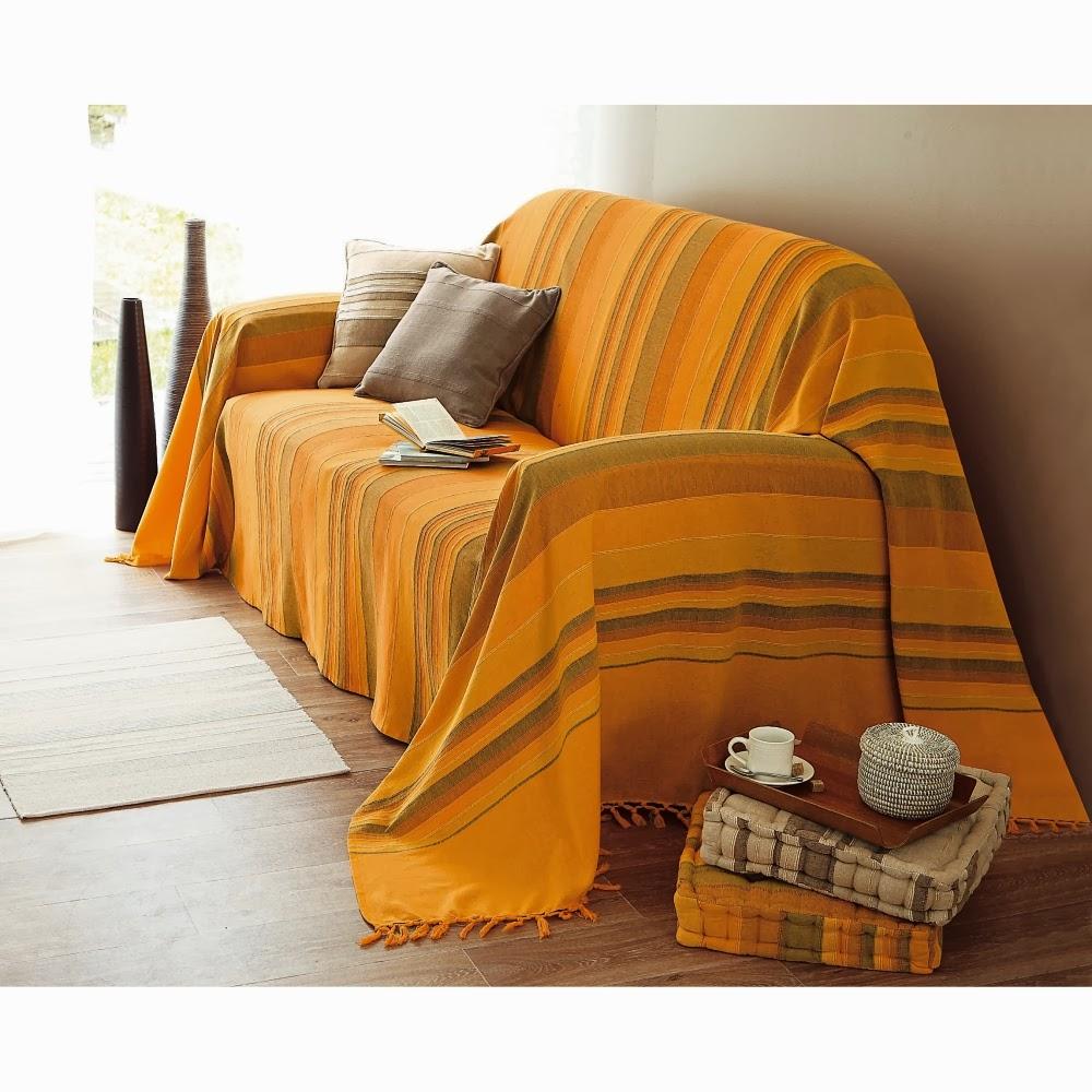 raisons d 39 utiliser couvre canap s et astuces pour les nettoyer canap togo. Black Bedroom Furniture Sets. Home Design Ideas