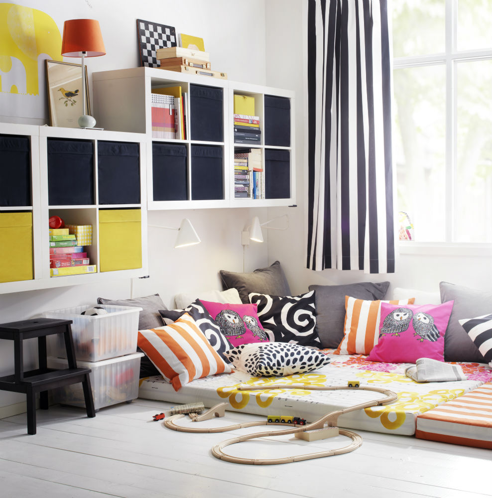 sunshine sarah un an mai colorat cu noul catalog ikea. Black Bedroom Furniture Sets. Home Design Ideas