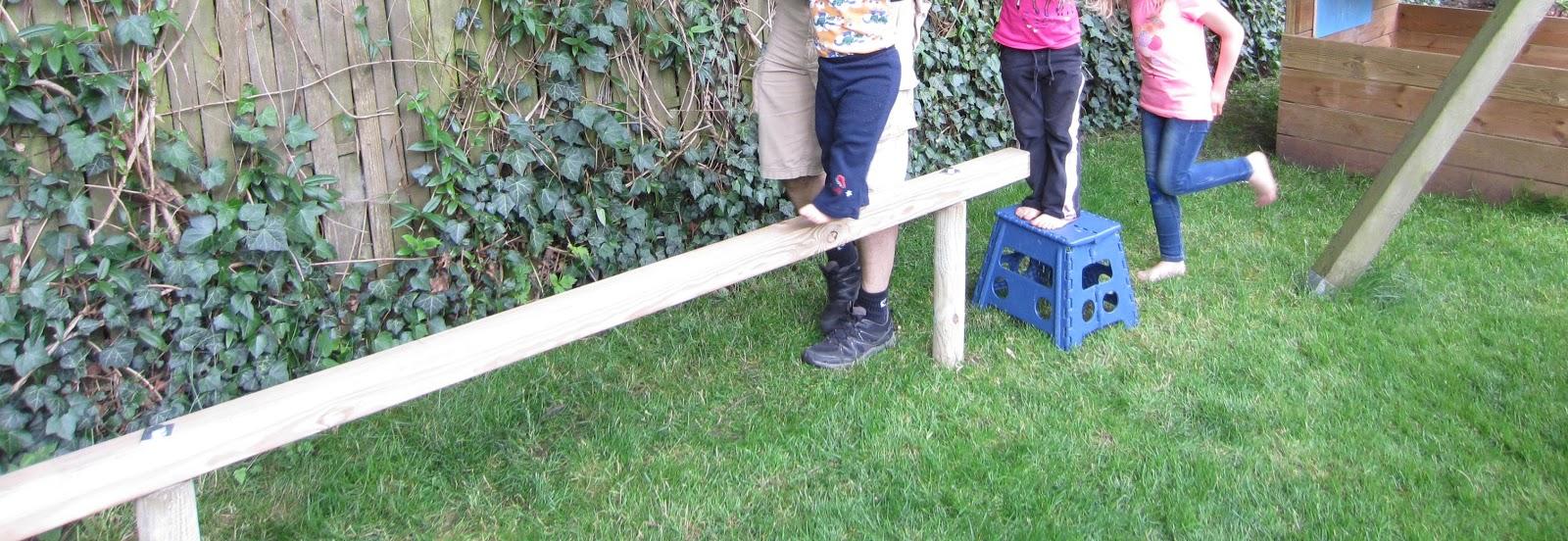 Gartenmobel Rattan Kunststoff :  Kinder  und Familien  Blog Balancierbalken für Kinder selber bauen