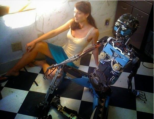 robot cantik dari mesin ketik