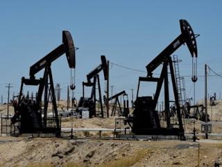 Thông tin kinh tế về giá dầu mỏ thế giới - Giá dầu mỏ có thể tiếp tục giảm mạnh năm 2016