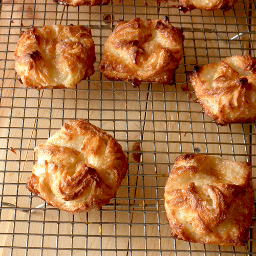 kouign amann small ones kouign amann interior crunchy chewy and ...