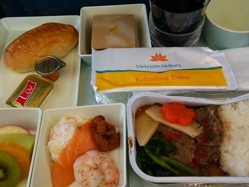 VN301 成田―ホーチミンシティ エコノミークラス 機内食 洋食(ウェスタン)
