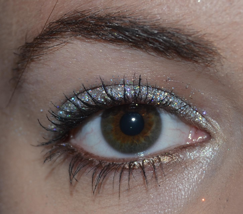 sølv glimmer øjenskygge