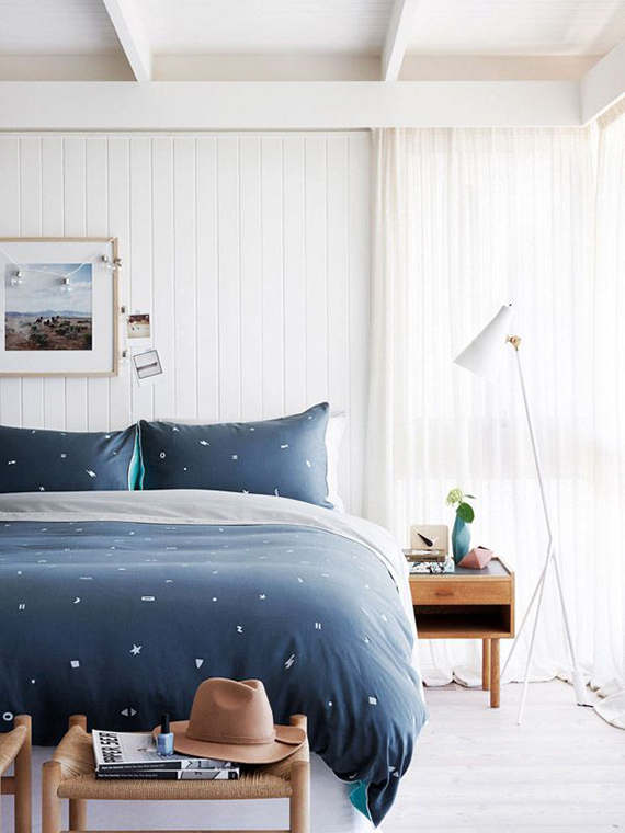 Lovely Dark blue details in the bedroom Image by Eve Wilson via The Design Files