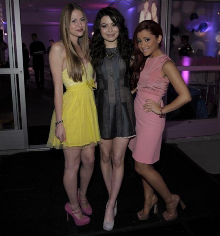 Miranda Cosgrove and Ariana Grande