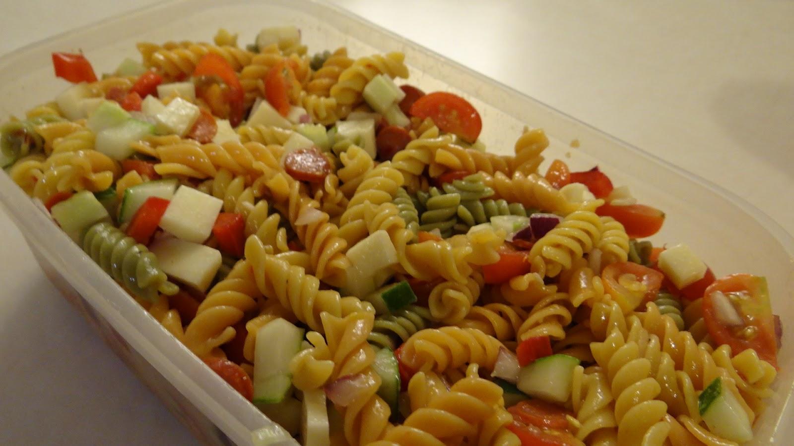 The Blooming Daisy: Lighter Italian Pasta Salad!