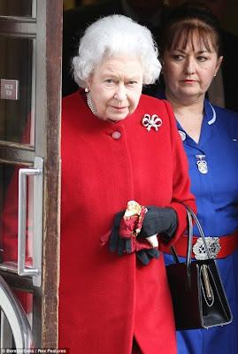 ¿Por qué la enfermera de la reina Isabel llevaba un cinturón masónico?
