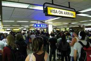 Pengurusan Visa On Arrival di Bandara