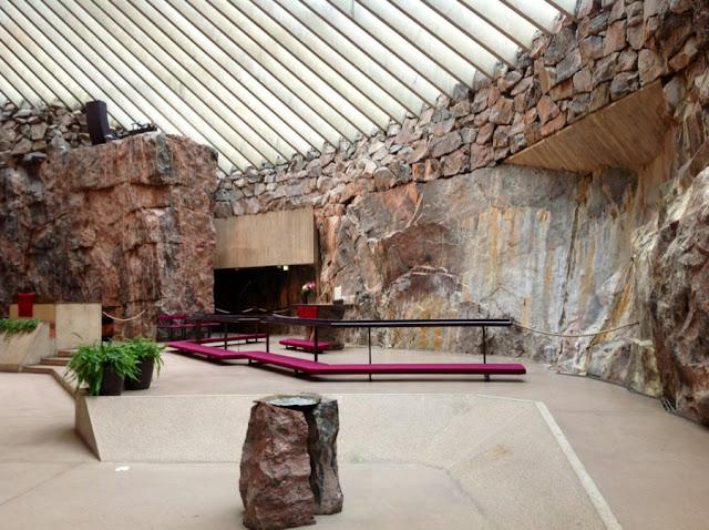 как выгляди церковь высеченаая в скале