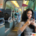 ' Sekali Pandang Macam Artis' Wanita cantik di kereta KLIA Express [5 Foto]