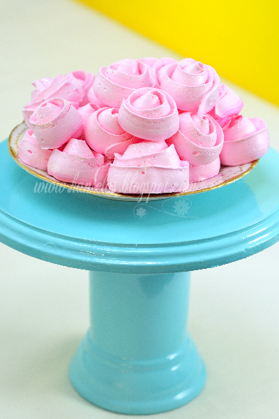 Meringue Roses