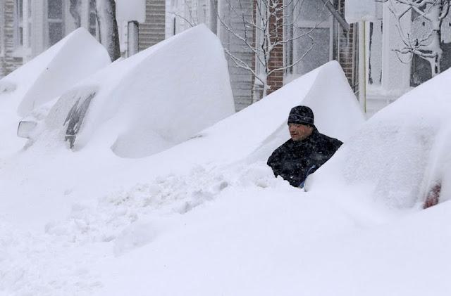 Снежный шторм «Немо» обрушился на США, насыпав рекордные сугробы