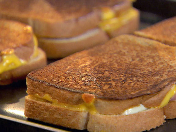 The Supreme Plate: Spicy Grilled Cheese Sandwich
