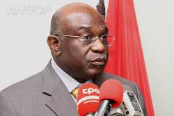 Angola: Ministro da Educação pede participação da classe para desenvolvimento do sector