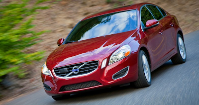 2011 Volvo S60 red front angle