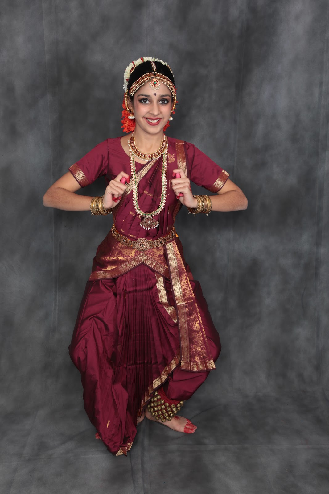 Mahika 39 s arangetram bharatanatyam arangetram for Arangetram stage decoration