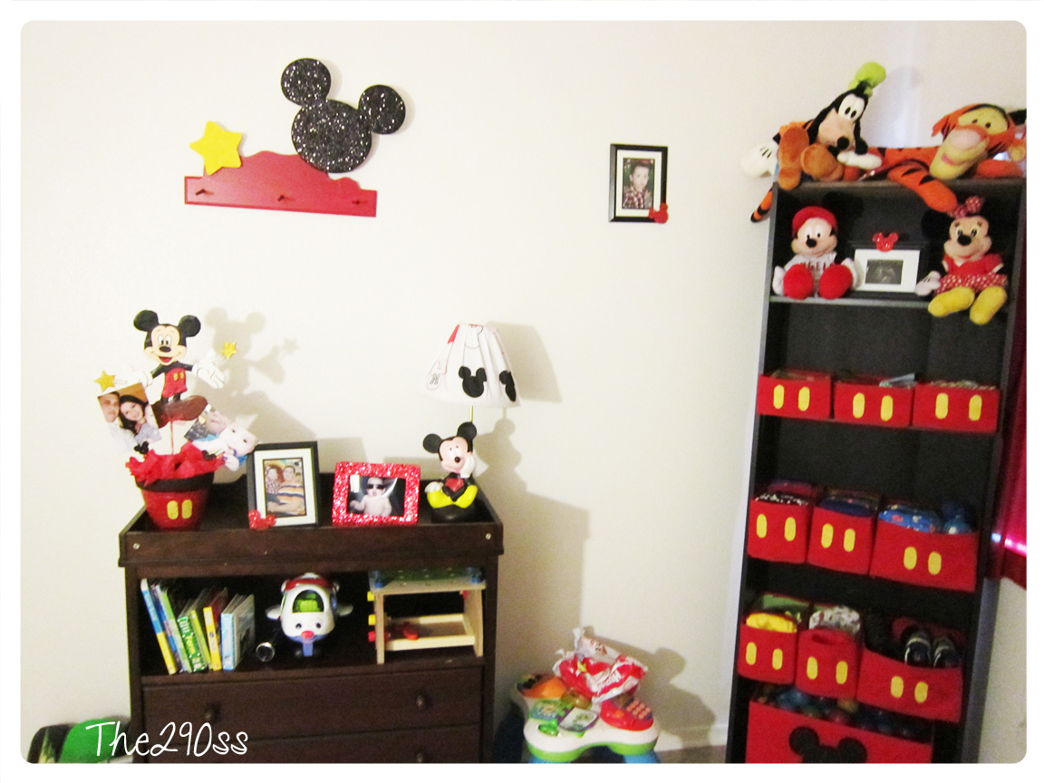 The290ss mickey mouse inspired room decoration for Deco mickey